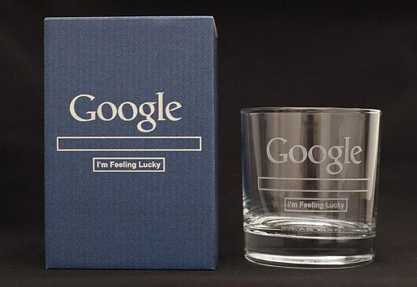 「Google Glass」は、保護ボックスに梱包されて発送される