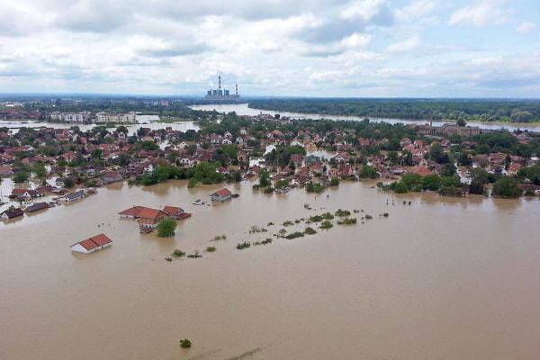 バルカン半島大洪水、被災地に支援を--セルビア大使館が日本のネットユーザーに呼びかけ