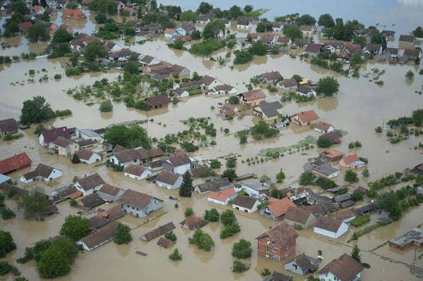 在日セルビア共和国大使館が公開した洪水被害の写真