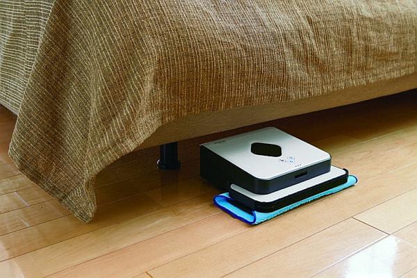 ベッドやソファの下など、拭き掃除が困難な場所も清掃できる