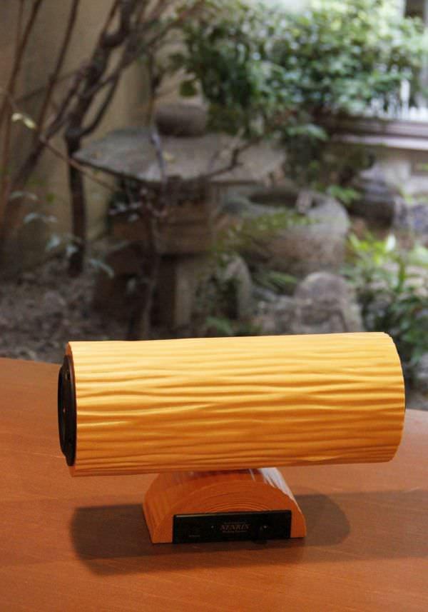 床柱で知られる京の銘木「北山杉」が美しい Bluetooth スピーカー「NENRIN」に