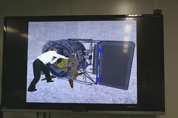機械組立の手順や動線をシミュレーション