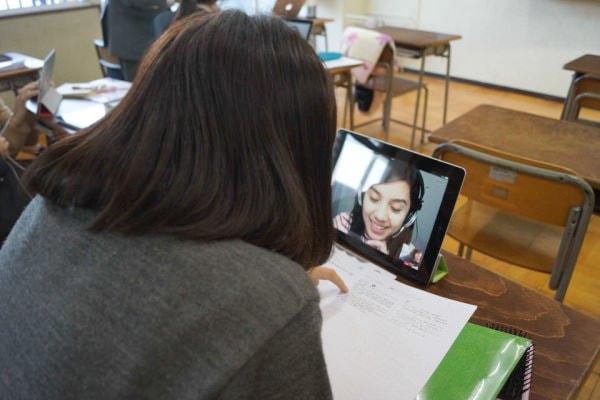 レッスンは通常授業の単元と同じ内容で進行する