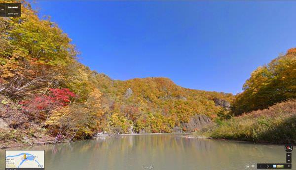 豊平川からカヌーで楽しむ定山渓の紅葉