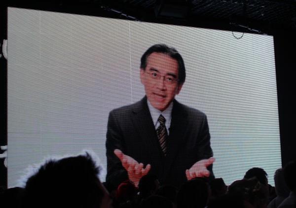 プログラム対応の理由を説明する 任天堂 代表取締役社長の岩田聡氏