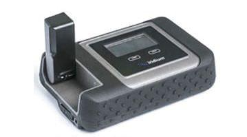 KDDI、スマートフォンが衛星電話になる衛星モバイルルータを発売