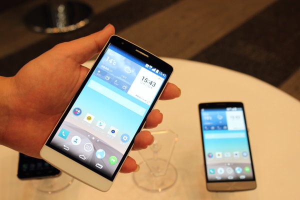 KDDI の MVNO サービス「UQ mobile」向けスマホ「LG G3 Beat」発売