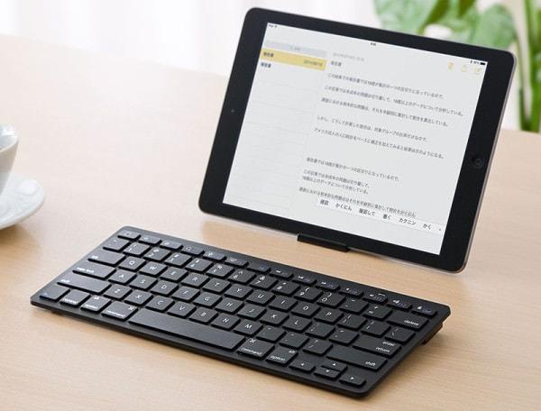 デスクトップ並み 19mm ピッチの小型 Bluetooth キーボード、iPad/iPhone に便利なショートカット キー付き