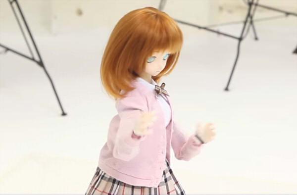 「V-Sido」で音楽に合わせて踊るドール型ロボット「SE-01」登場