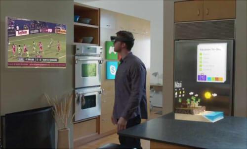 壁にテレビ、戸棚にアプリ、冷蔵庫にメモのようなものが