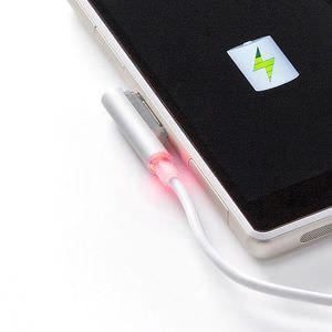 普通の micro USB で Xperia が充電できる、LED 付き充電変換アダプタ―サンワサプライ