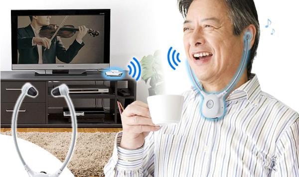 テレビの音が 25m 離れて聴けるワイヤレス ヘッドホン、会話用の集音モードも搭載