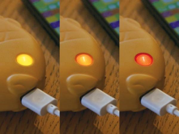 目の色でバッテリ残量などが分かる