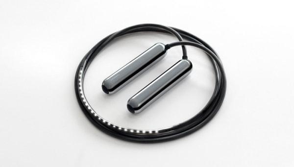 ロープに LED、ハンドルにセンサーを内蔵