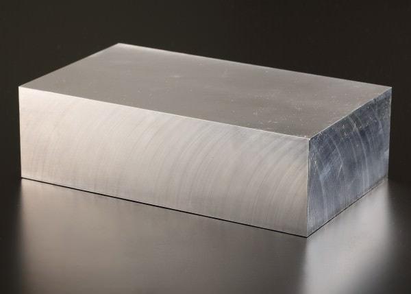 材料のジュラルミン合金インゴット