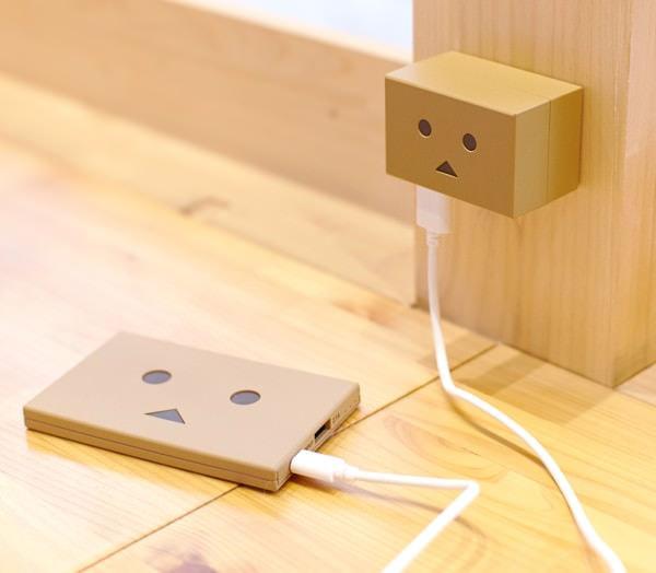 ダンボーのモバイル バッテリも充電できる