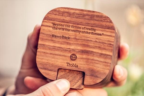 Kickstarter の支援者には、メッセージが彫り込まれたモデルが贈呈される