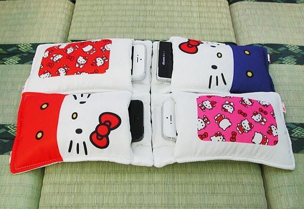 キティさんに包まれたい--ハローキティの布団型スマホケース発売