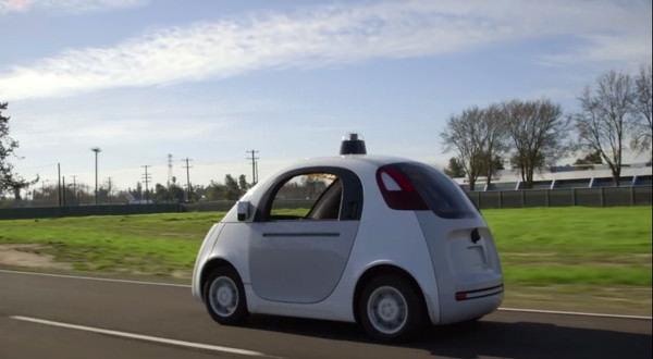 グーグル、自動で走るロボットカーを「公道」に解き放つ -- あれ?前もやってなかった?
