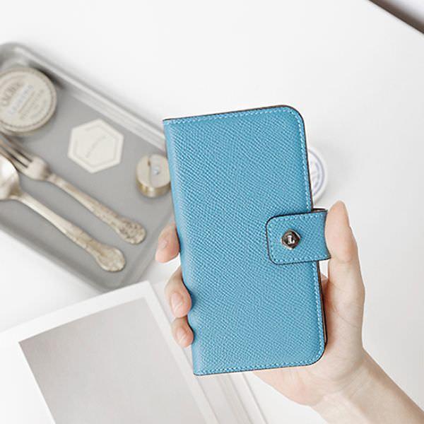 色鮮やかなドイツ製本革の iPhone ケース、invite.L ブランドから
