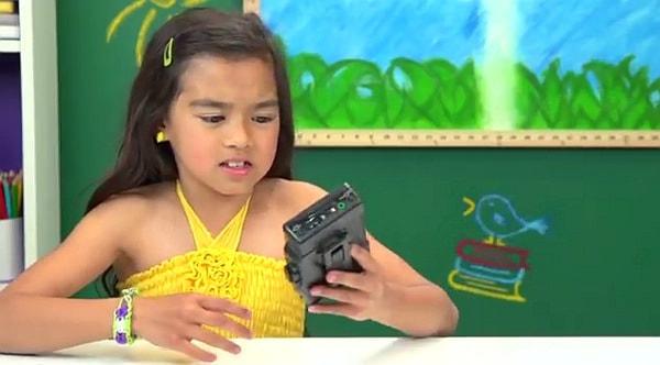 カセット型ウォークマン、現代っ子にはどう映る?--ちょっと悲しくなる動画を紹介