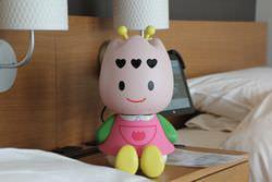 ハウステンボス「変なホテル」、コンシェルジュもロボット