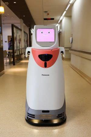 自律搬送ロボット「HOSPI」、シンガポールのチャンギ総合病院で稼働