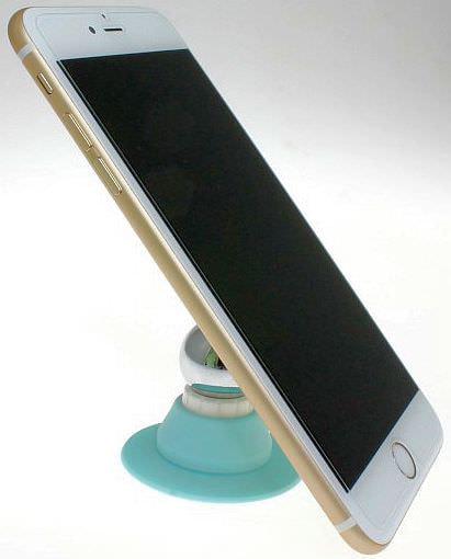 スマートフォンを固定できる強力なホルダー「ペタQ」が発売