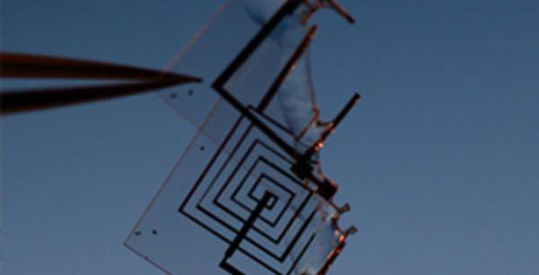 配達後消滅するドローン、DARPAが開発中