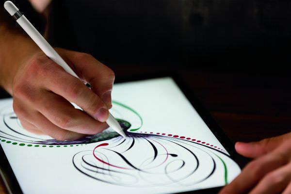 自然な描画のApple Pencil