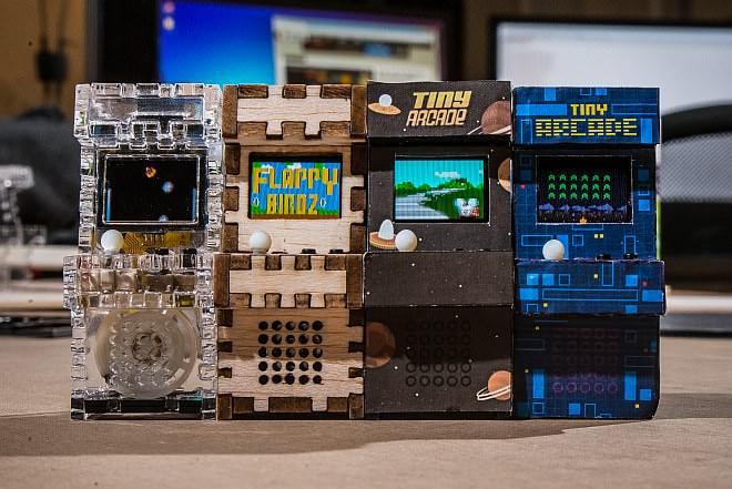 レトロで可愛い!持ち運べるアーケードゲーム「Tiny Arcade」【Kickstarter】