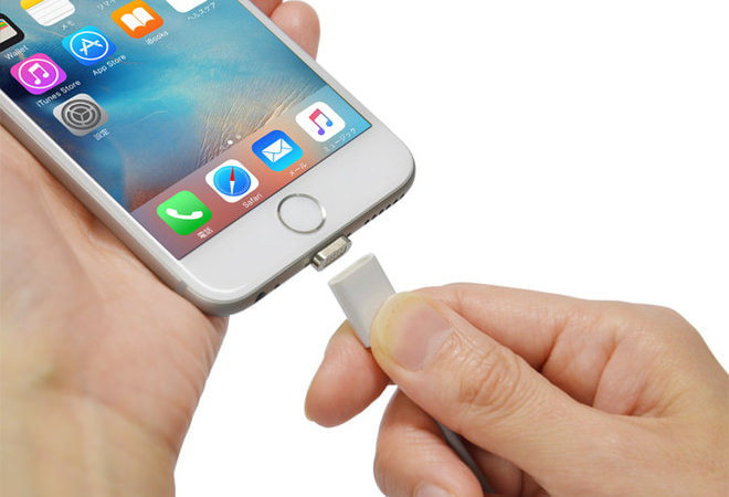 つけはずし簡単、磁石でくっつくiPhoneケーブル―データ転送もできるよ