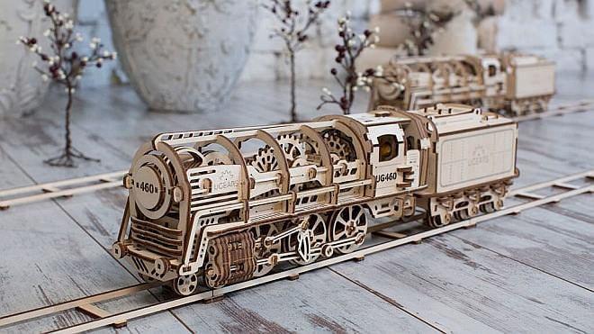 美しすぎる鉄道模型「UGEARS」が登場--カタカタひた走る姿も愛しい【Kickstarter】