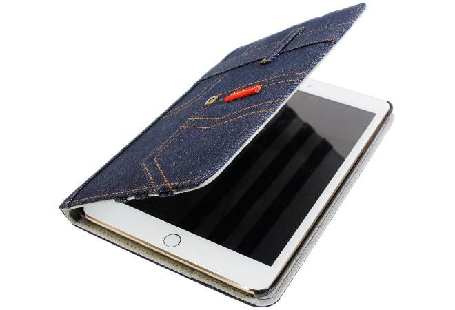 カバーを閉じるとiPad mini 4は自動でスリープ