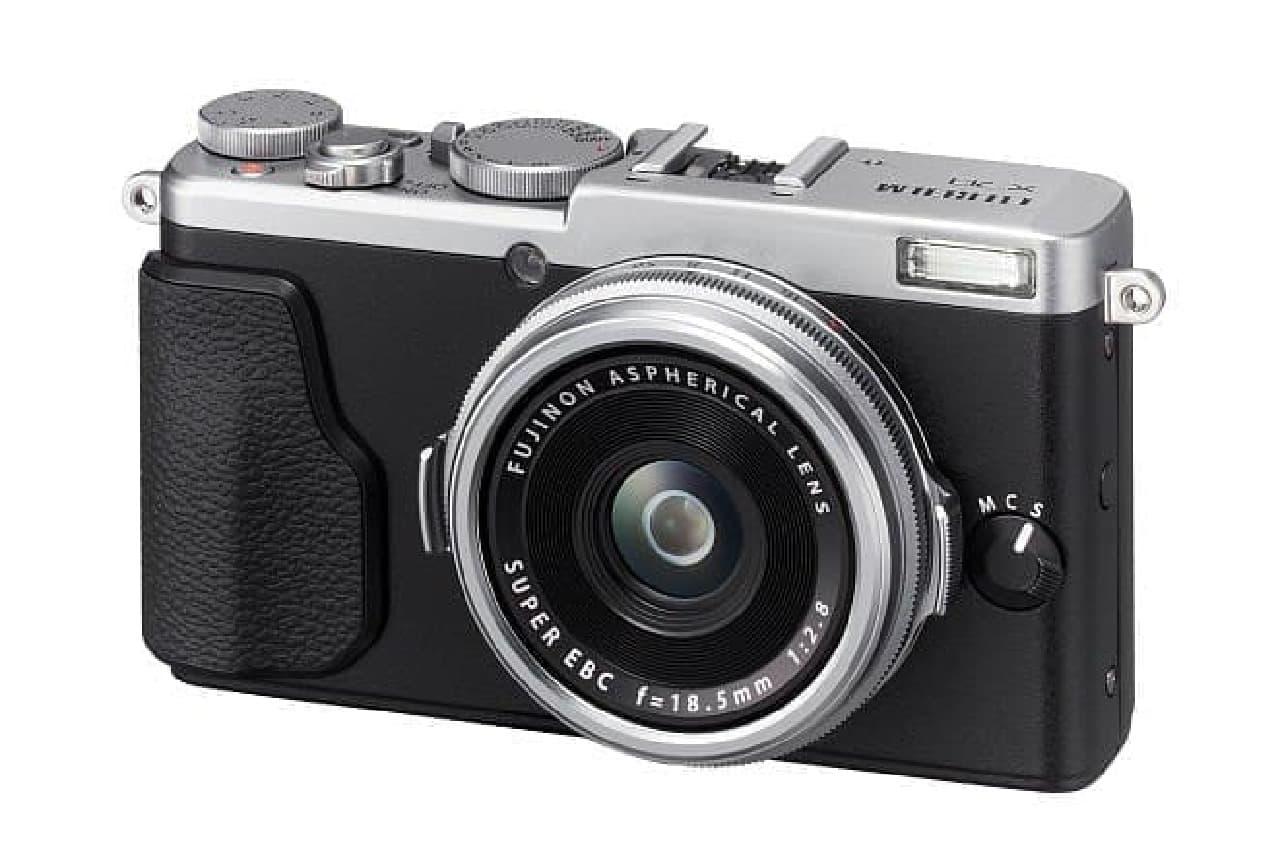 プレミアムコンパクトデジタルカメラ「FUJIFILM X70」(シルバー)