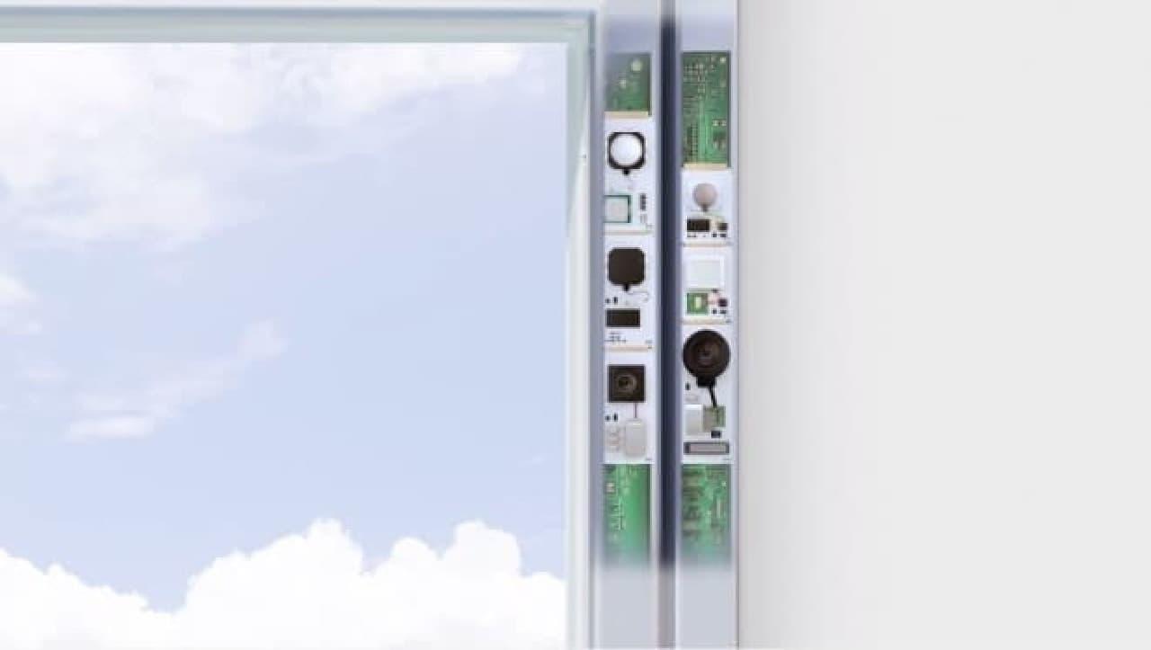 M.W.(MODULE WINDOW)、サッシに電子部品を組み込んでいる