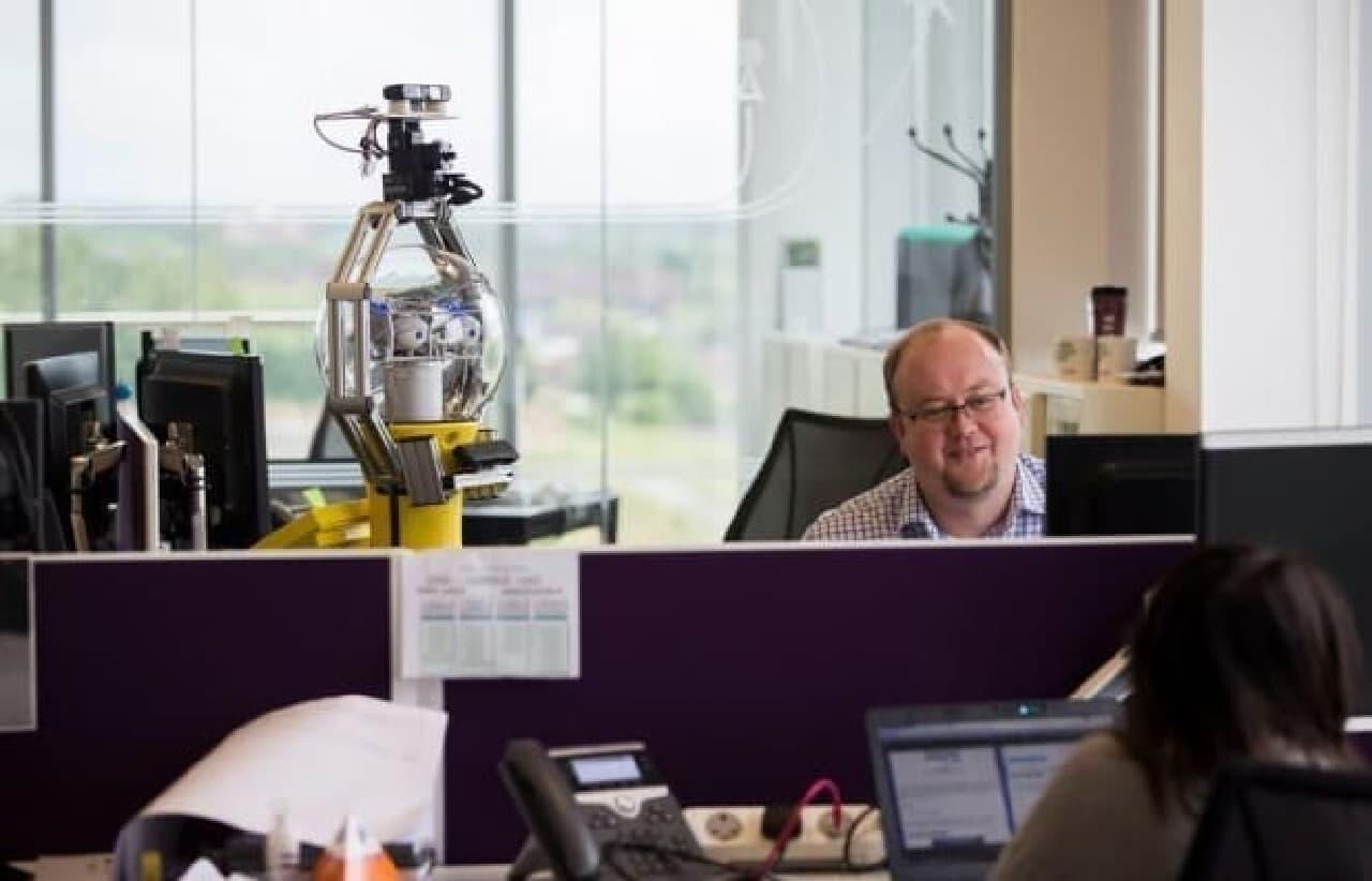 オフィスマネージャ見習いとして勤務するBetty  credit:John James/University of Birmingham