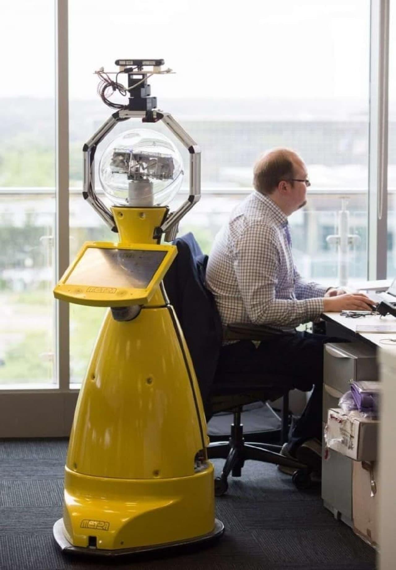 オフィスマネージャー見習いとして勤務するBetty  credit:John James/University of Birmingham