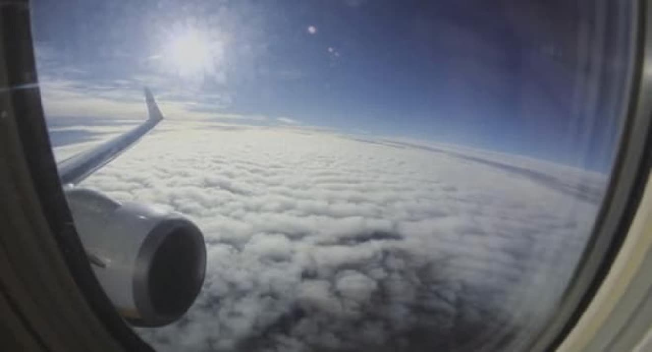「Basslet」使用例:飛行機の機内