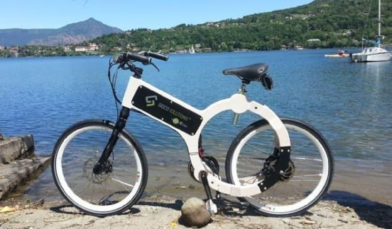 木製フレームを持つ電動アシスト自転車「Wood Electric Bike(WEB)」
