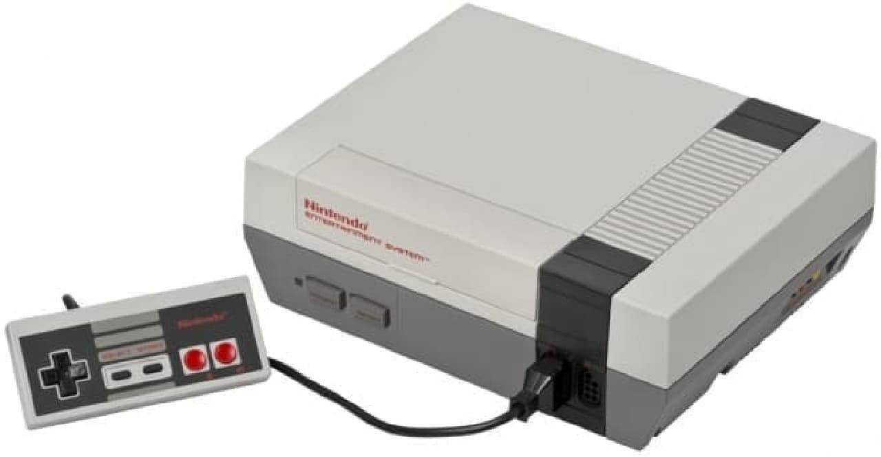 1985年に米国で発売されたオリジナル版「Nintendo Entertainment System」