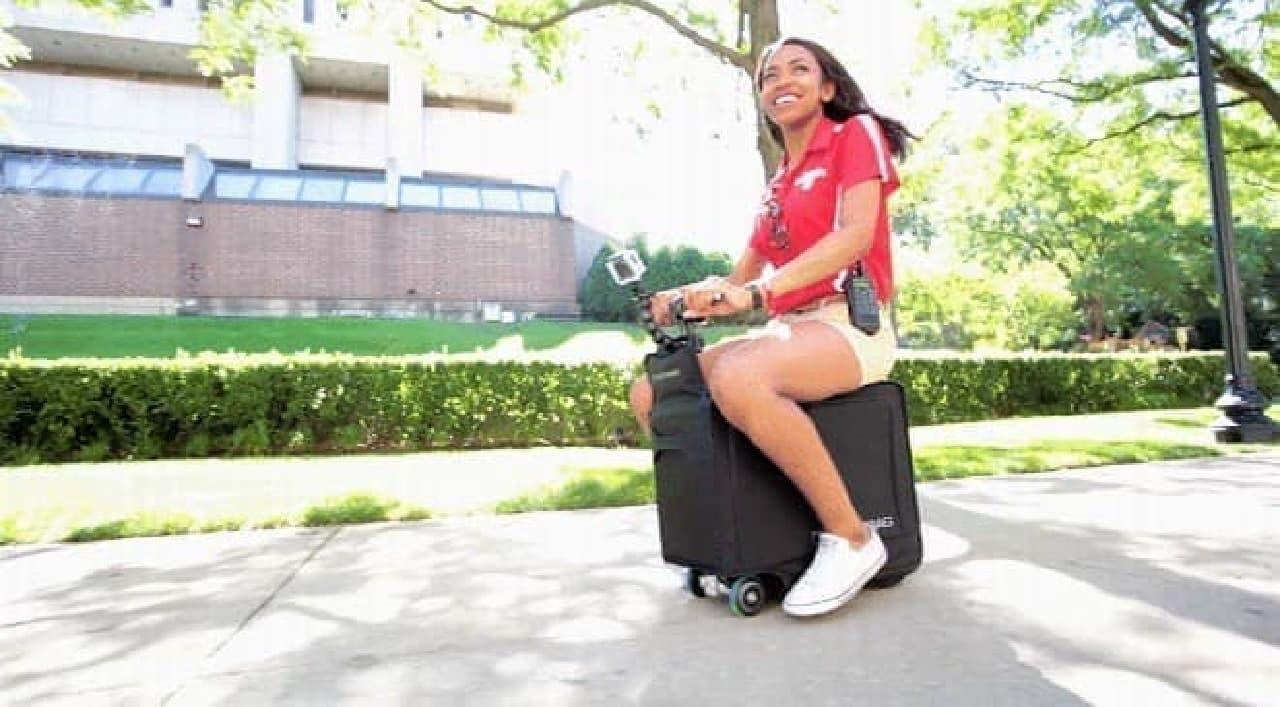 スーツケース型の電動バイク「Modobag」