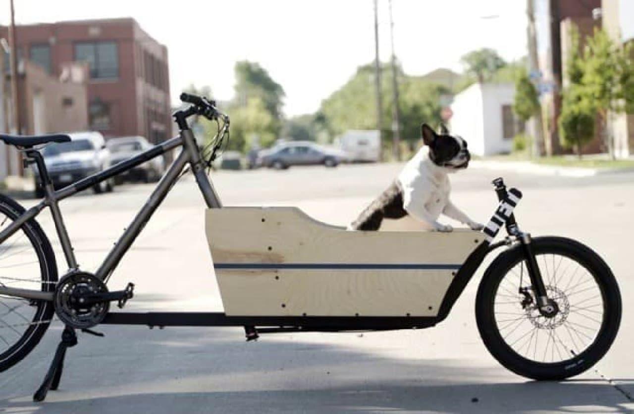 使用中の自転車をカーゴバイクに変換する「LIFT」
