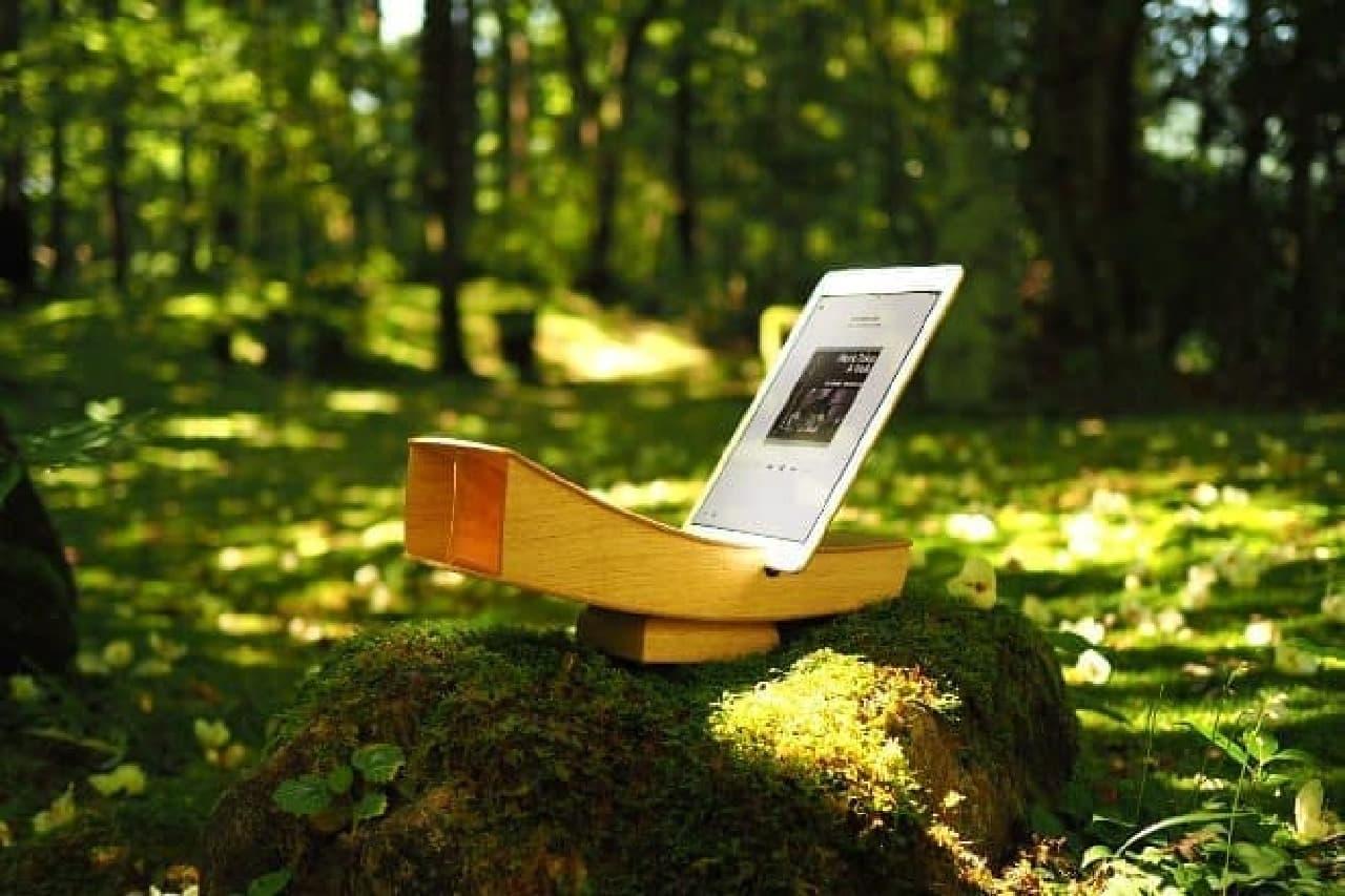 iPhoneのための木製スピーカーボックス