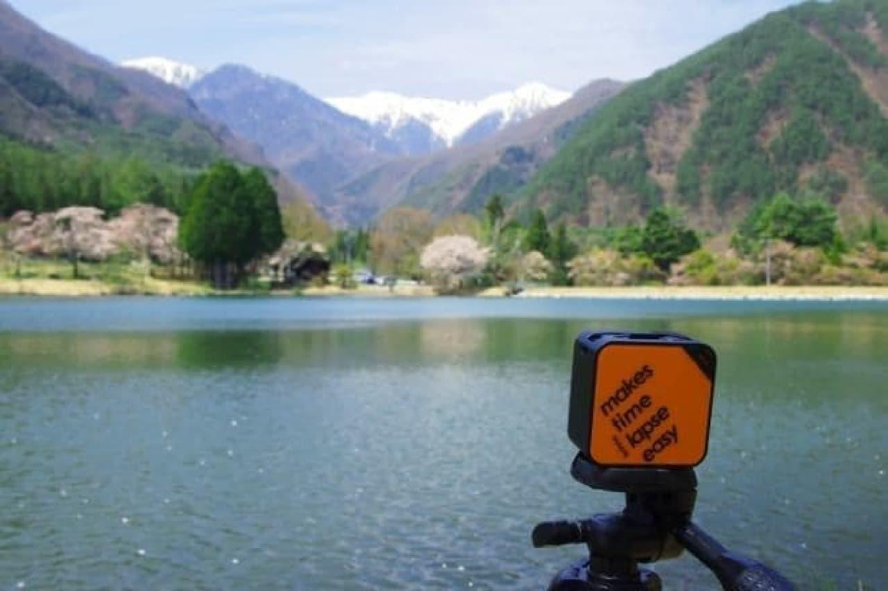 風景を撮影するミニカメラ