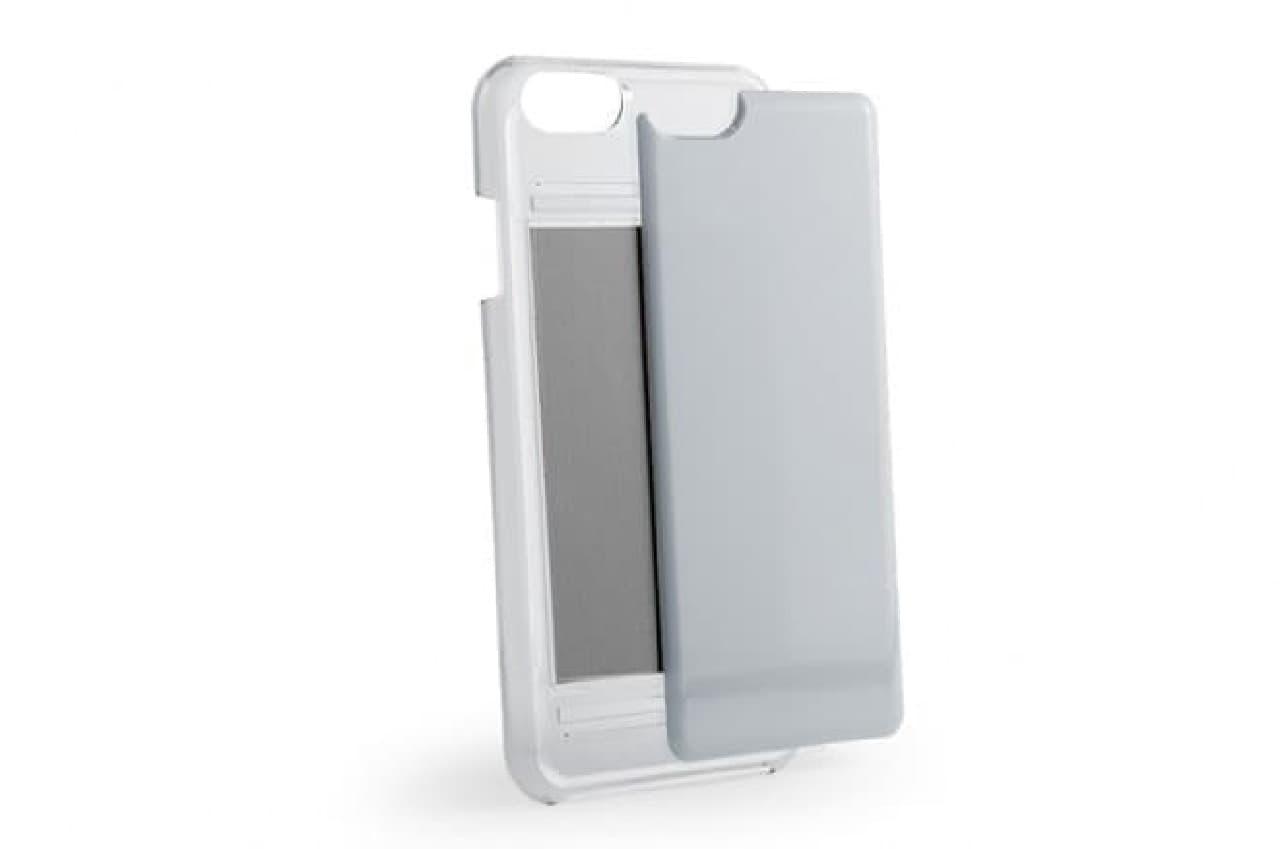 スライド式カバーを展開したiPhoneケース
