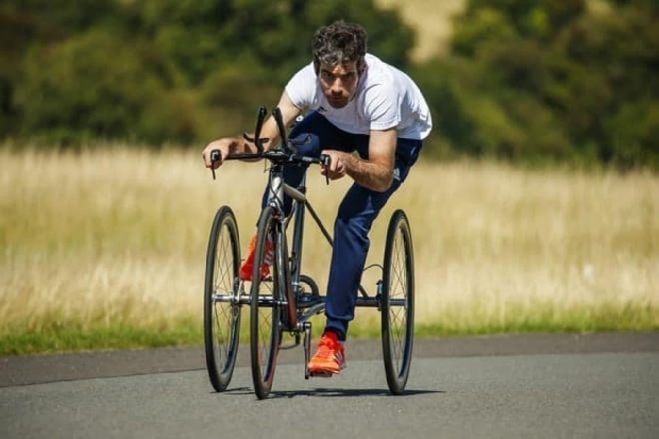 日産、チタンフレームのトライクを英国パラリンピック選手向けに開発