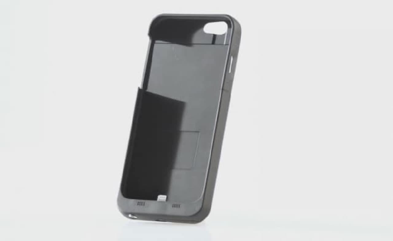 iPhone 7にイヤホンジャックを復活させるスマホケース「FUZE」