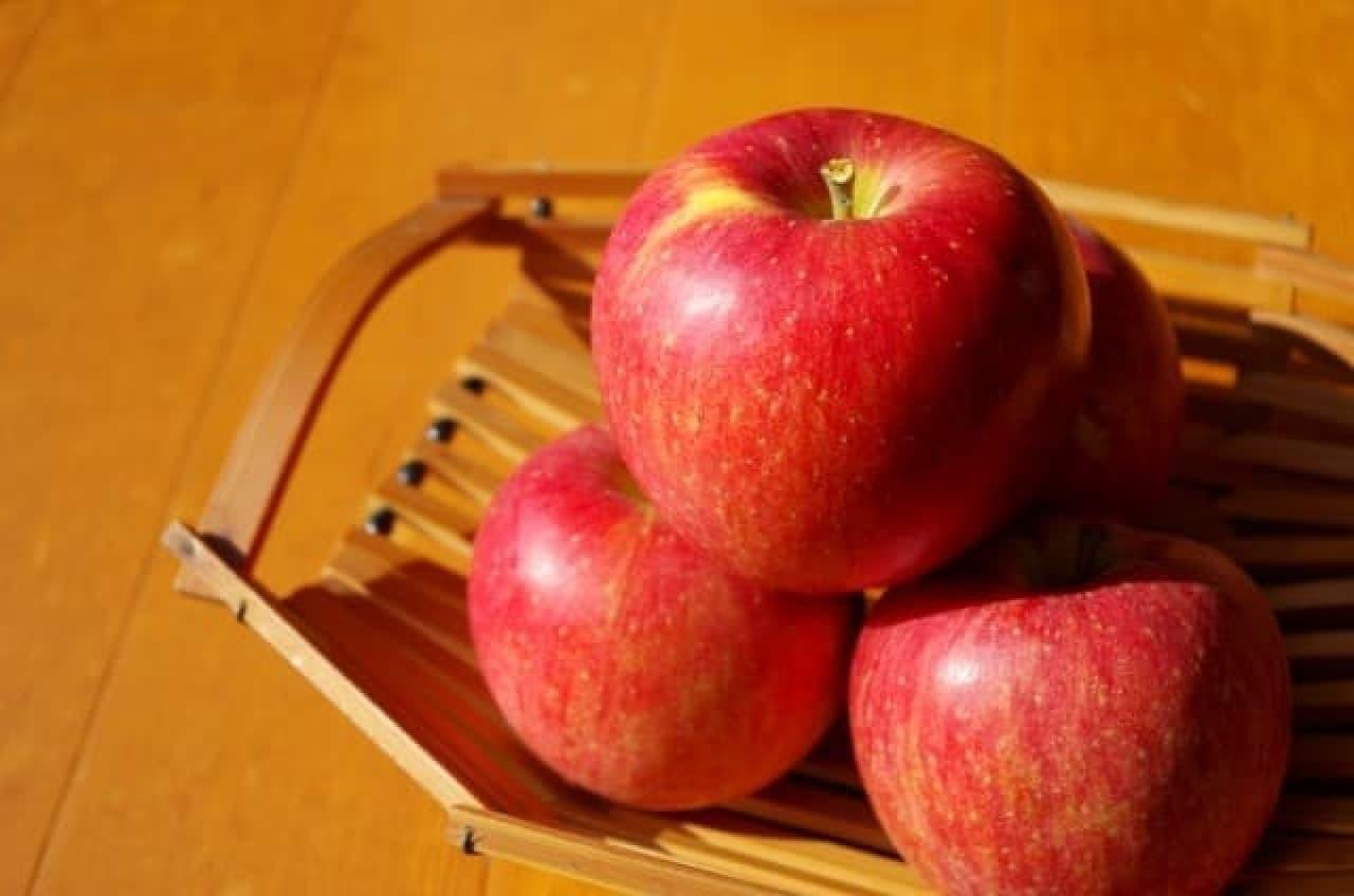 リンゴの盛り合わせ写真