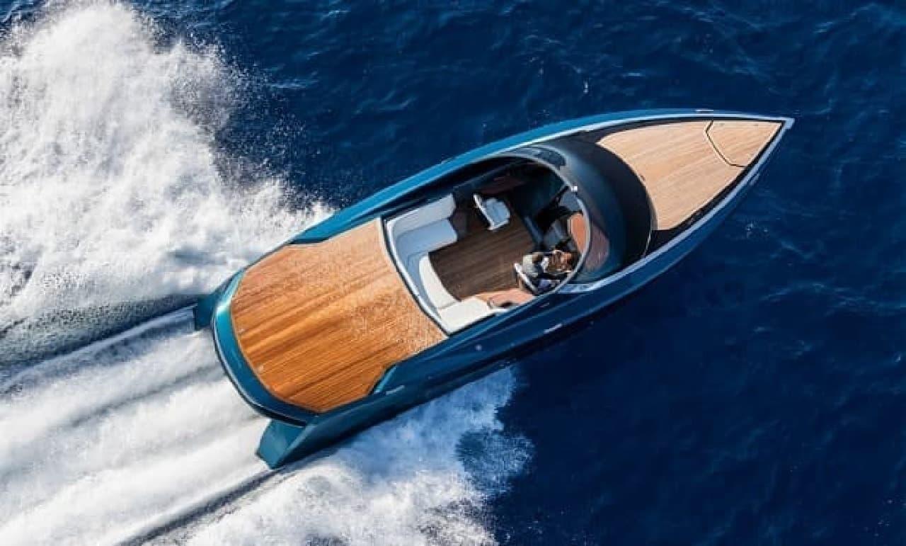 炭素繊維のボート